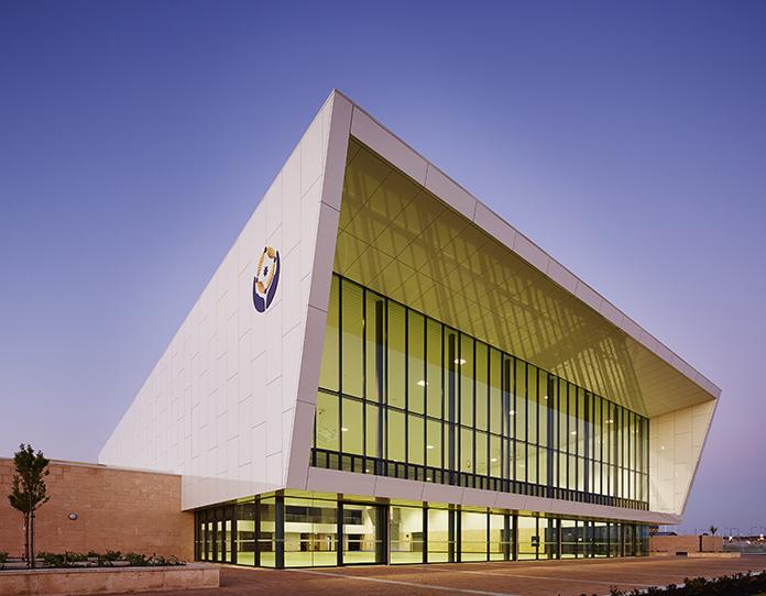 Irene McCormack Catholic College Gymnasium Parry and Rosenthal Architects