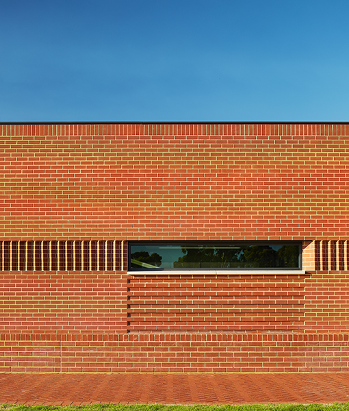 La Salle College Trade Skills Centre Parry and Rosenthal Architects