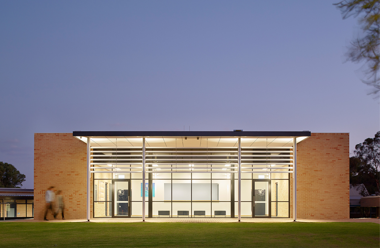 St Norbert College Performing Arts Centre Parry and Rosenthal Architects